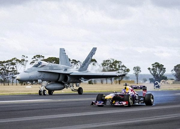 f1 racecar vs f-18 fighter jet