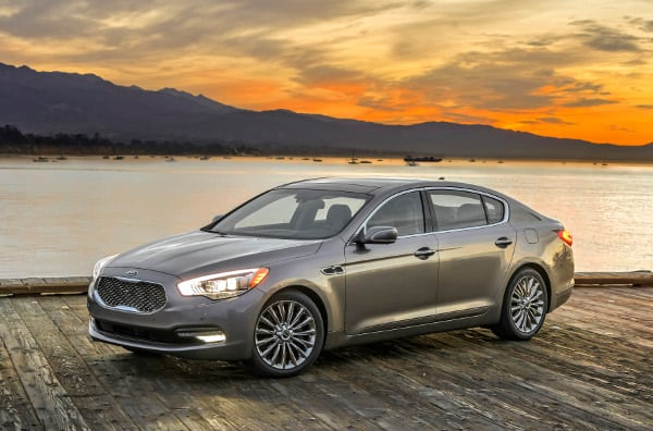 2015 Kia K900 Review – Kia Climbs to the Pinnacle of Luxury