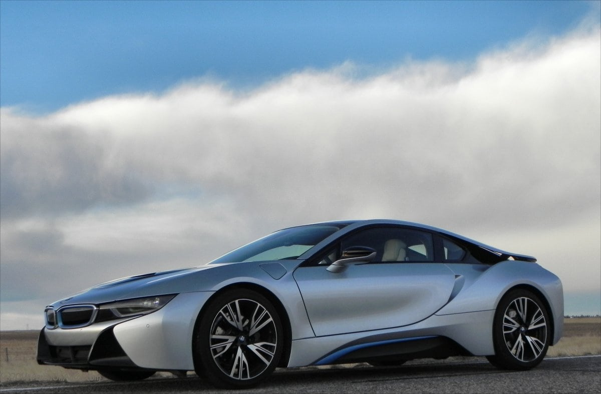 BMW i8 is Hybrid Supercar Awesomeness