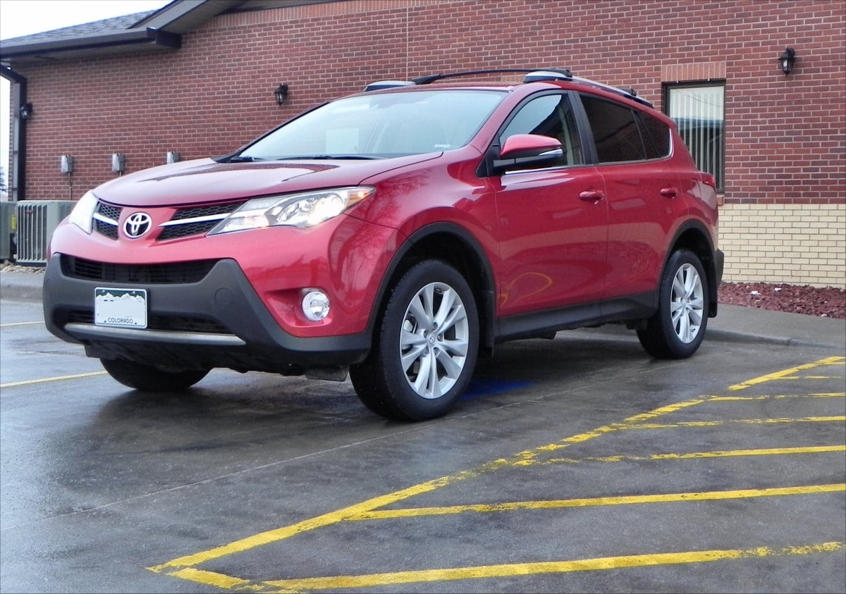 2015 toyota rav4 is the sensible compact crossover carnewscafe. Black Bedroom Furniture Sets. Home Design Ideas
