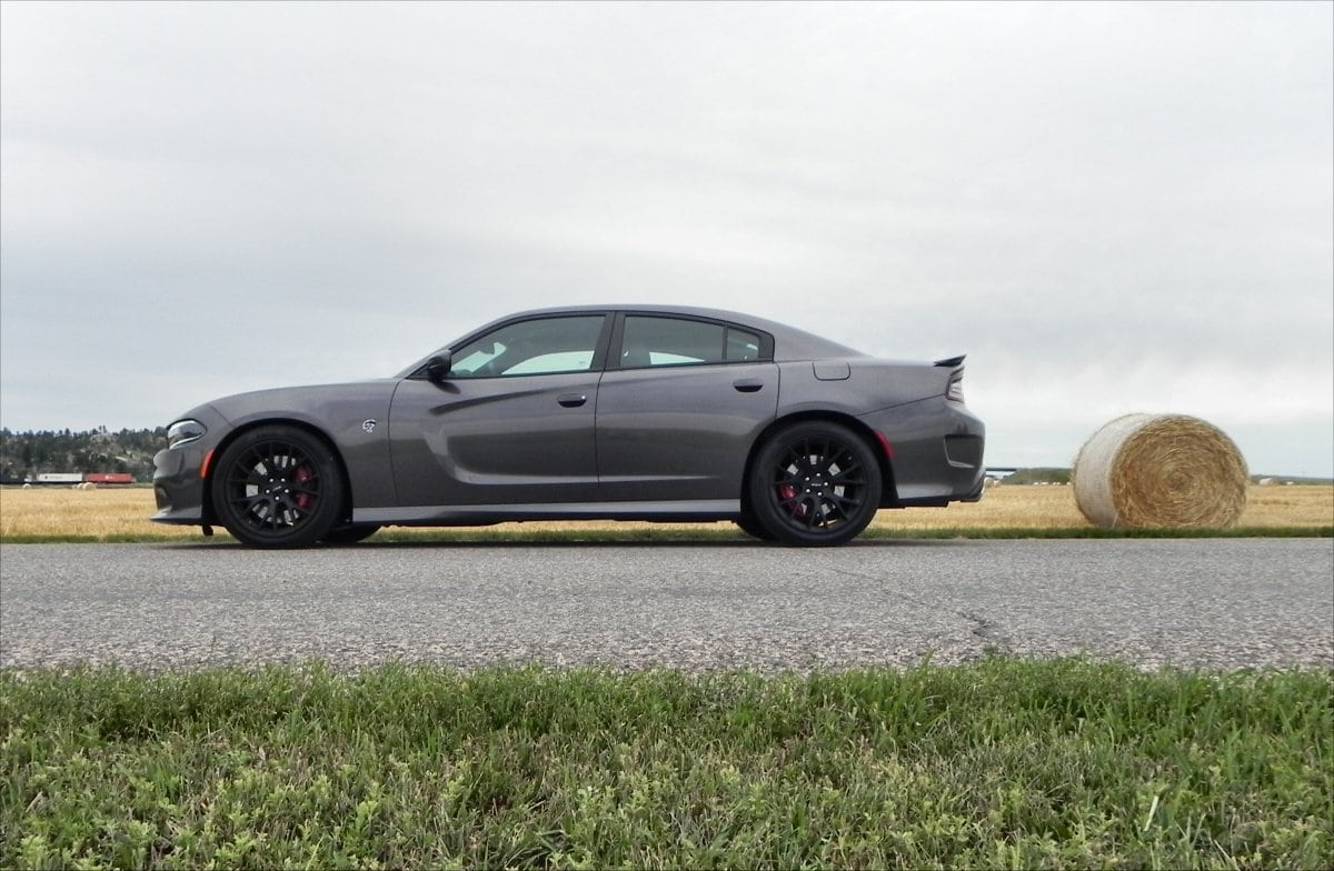 2015 Dodge Charger Srt Hellcat Is An Awesome Way To Spend A Day Carnewscafe