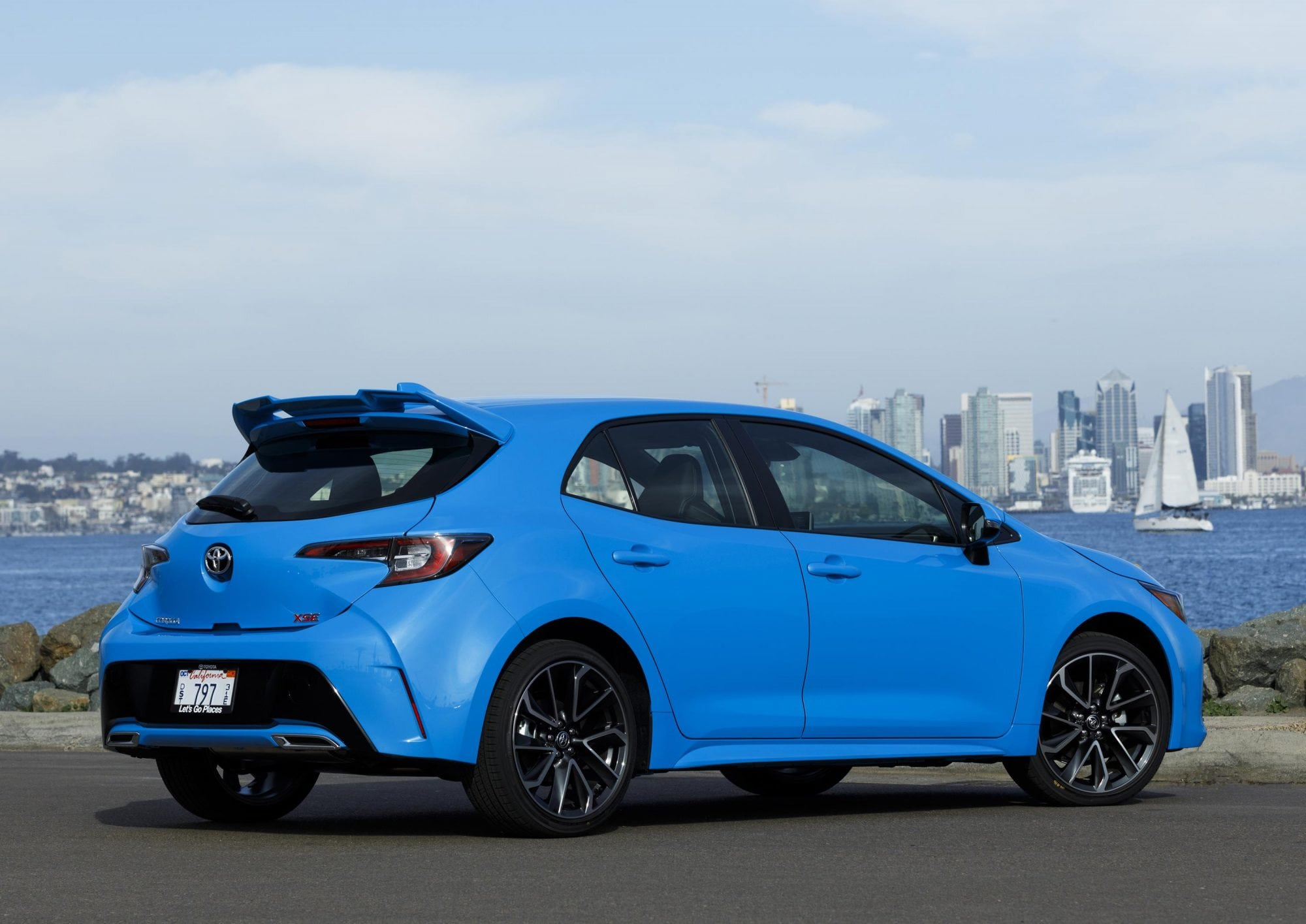 all new 2019 toyota corolla hatchback debuts carnewscafe. Black Bedroom Furniture Sets. Home Design Ideas
